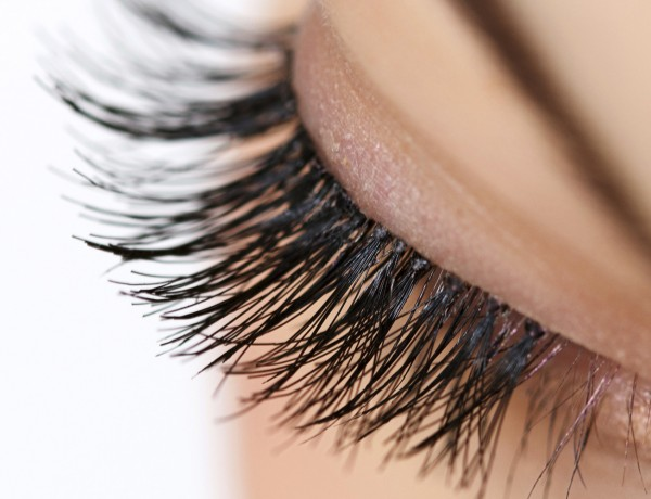 What is an eyelash perm